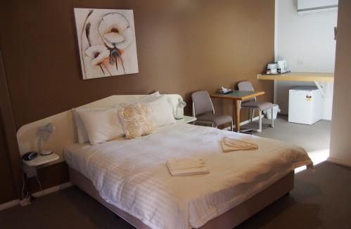 Condobolin Motel Room
